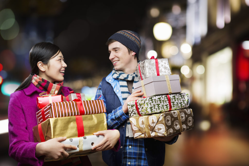 Maintaining Good Credit During Holiday Spending
